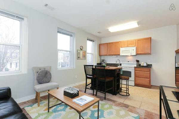 eastern market 2 bedroom for rent