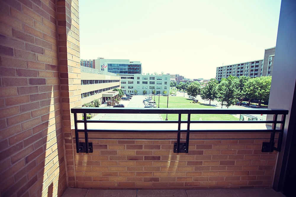 2M Street Luxury Pet Friendly Apartments in NoMa | Balcony View