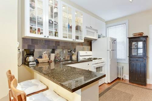 Shaw 2 Bedroom With Exposed Brick Galore | Gourmet Kitchen