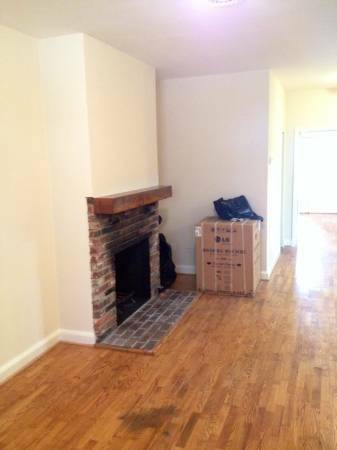 Capitol Hill 4 Bedroom Perfect for Sharing   Fireplace