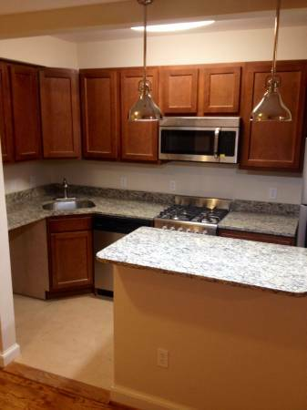 Capitol Hill 4 Bedroom Perfect for Sharing   Gourmet Kitchen with Stainless Steel Appliances