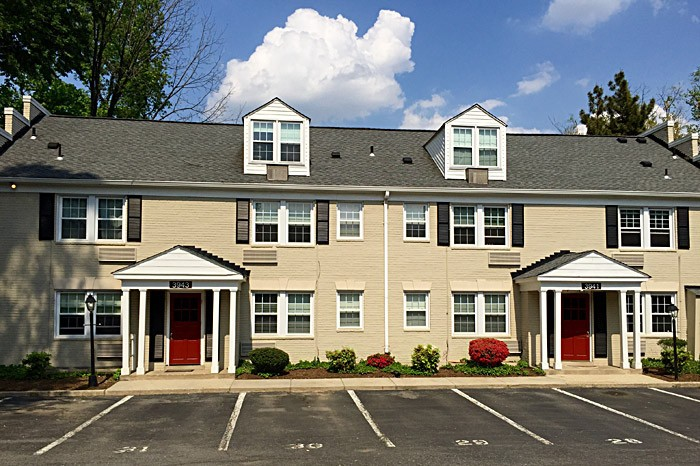 Newdale Mews Apartments: Chevy Chase