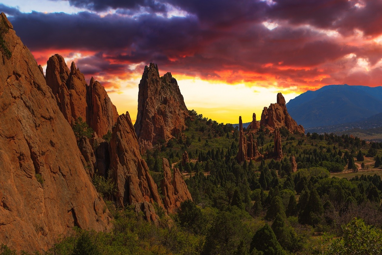 Colorado Springs: Garden of the Gods Sunset