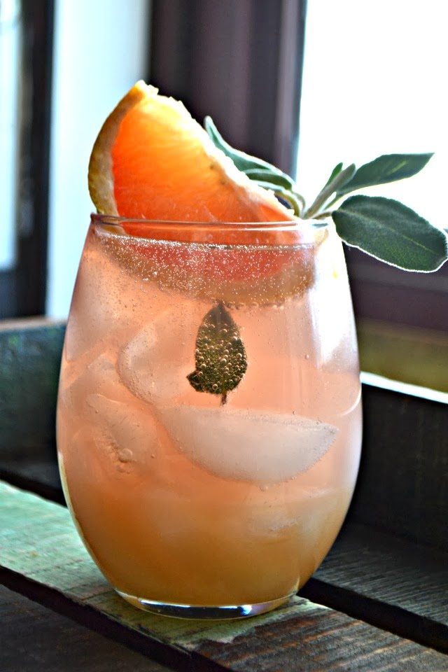 Festive Champagne Cocktails: Grapefruit and Sage Mimosa | Entertaining In Your Apartment