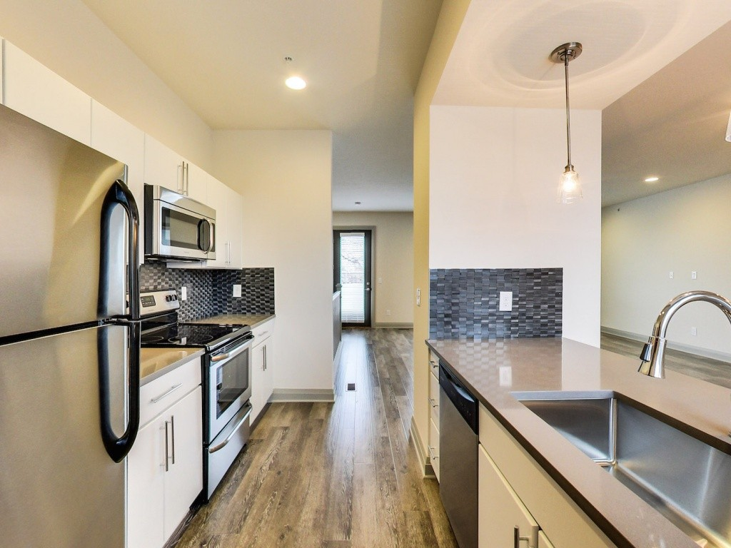 Model Envy: 40 West Apartments | Kitchen | Move to Columbus