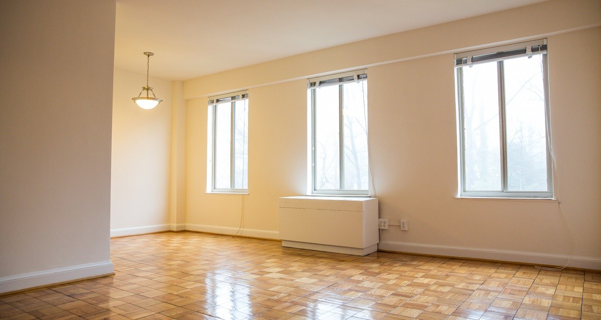 Woodley Park 2 Bedroom With Classic Details
