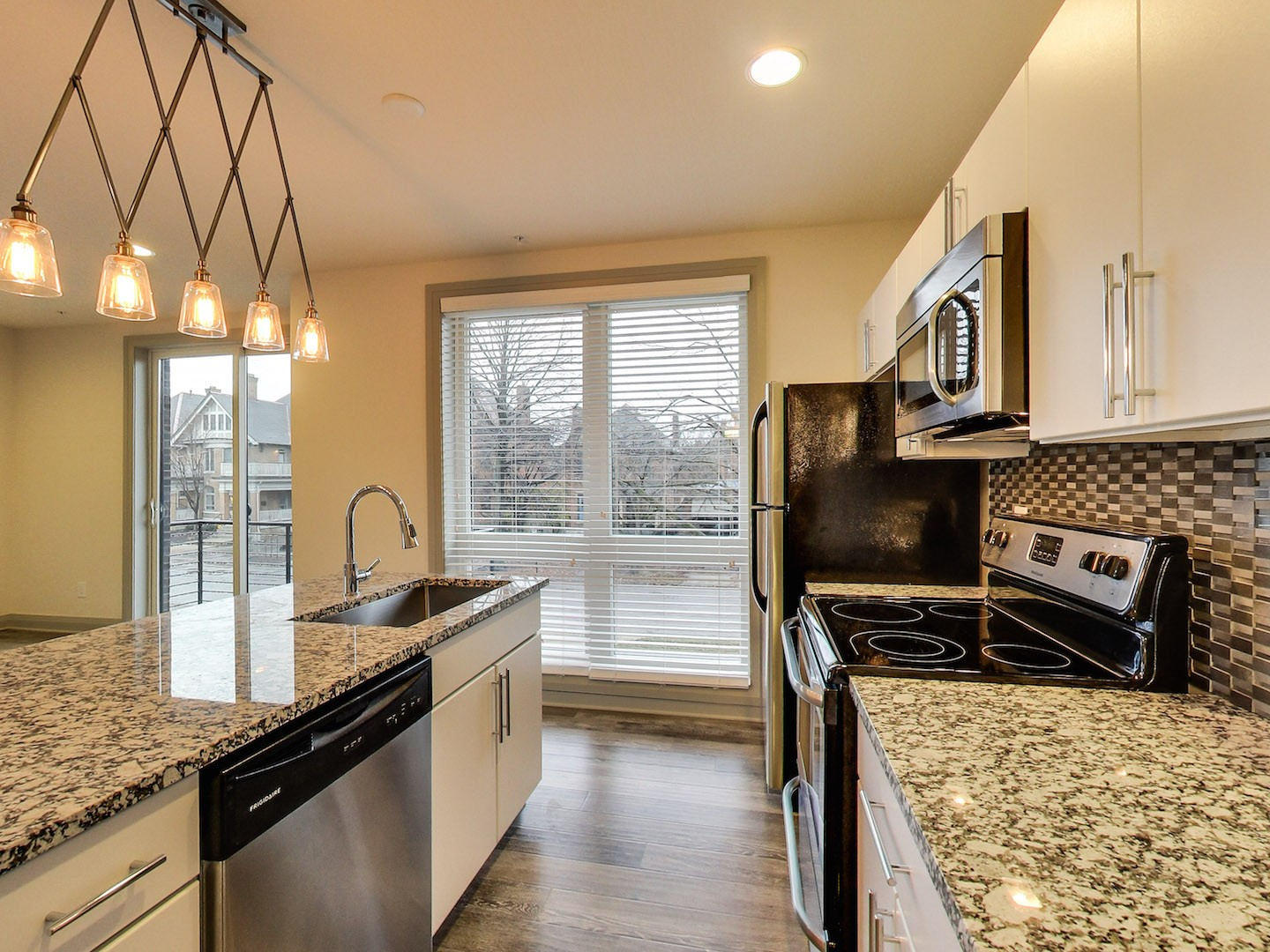model_envy_40_west_apartments_kitchen_floor_to_ceiling