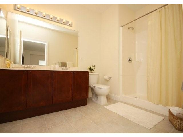grandview-apartments-for-rent-lowell-ma-bathroom