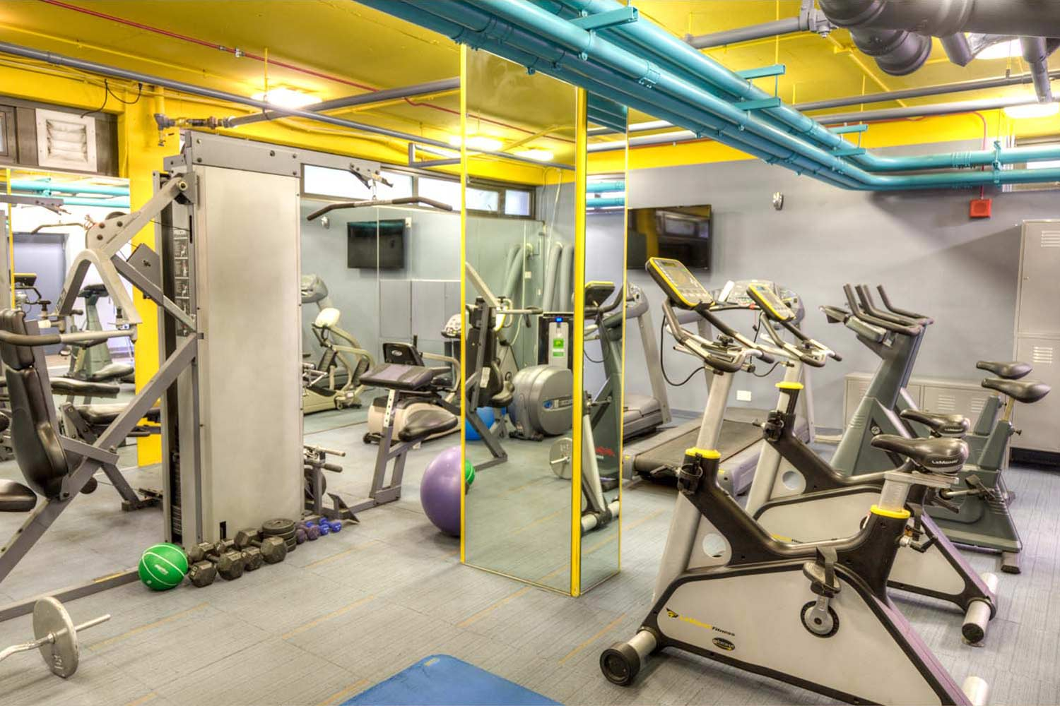 algonquin-apartments-for-rent-in-chicago-fitness-center