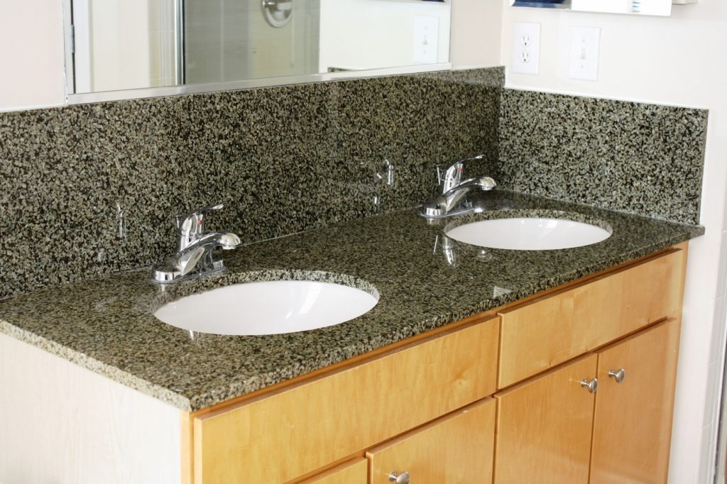 American Heritage Apartments | Double Vanity | Move to Richmond