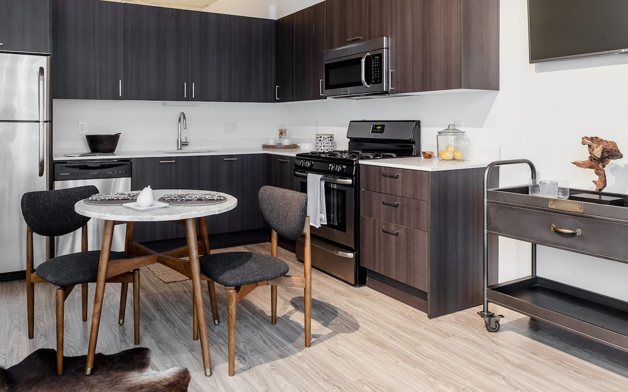 1333 South Wabash | Luxury Apartments in South Loop Chicago, IL | Kitchen and Dining Area
