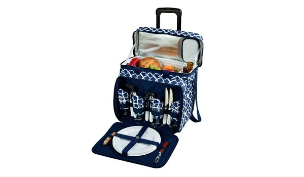 Apartminty Fresh Picks: Picnic Accessories | Insulated Picnic Basket With Service For 4