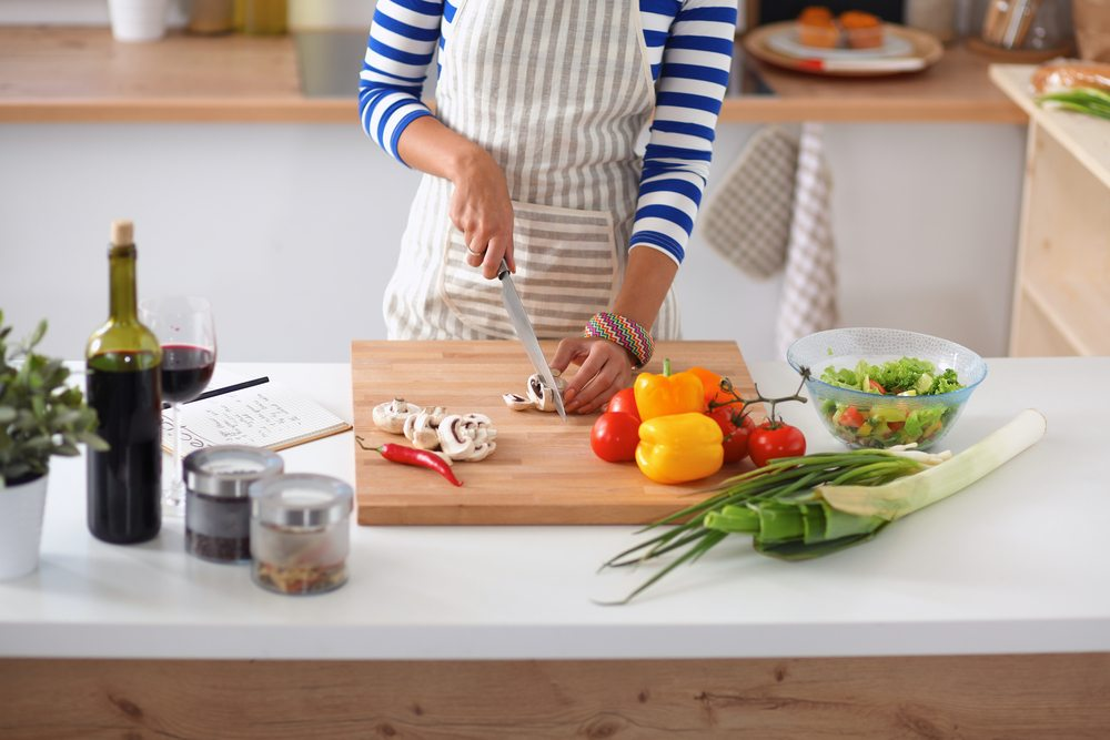 5 Things All Small Kitchens Need | Apartment Living | Plated Meal Delivery Service