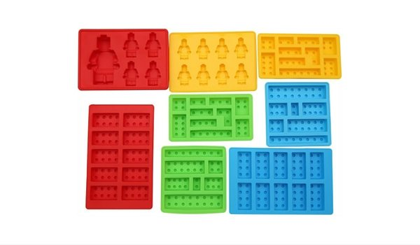 Apartminty Fresh Picks: The Coolest Ice Cube Molds For Your Summer Cocktail | Lego Lovers Building Blocks and Robots Set of 8