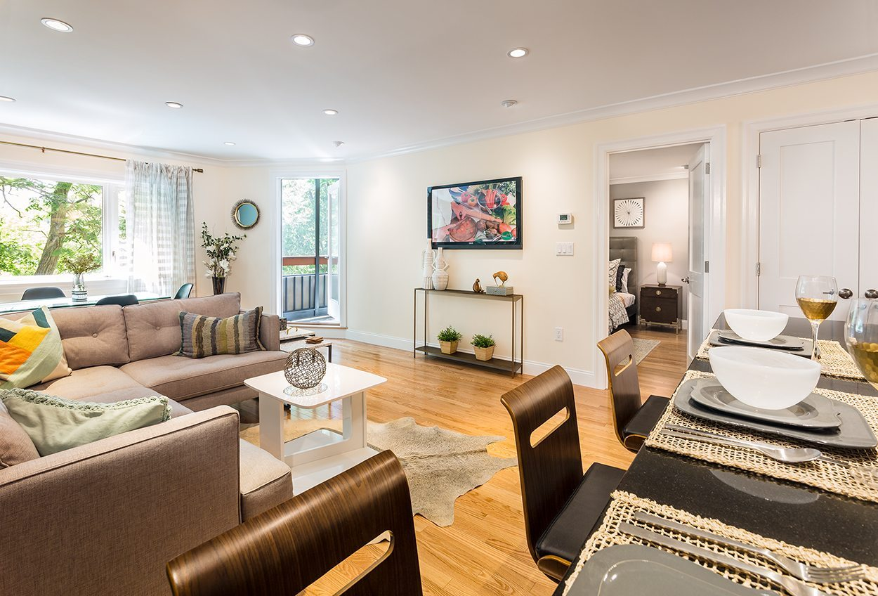 1443-beacon-street-apartments-in-brookline-boston-ma-living-room