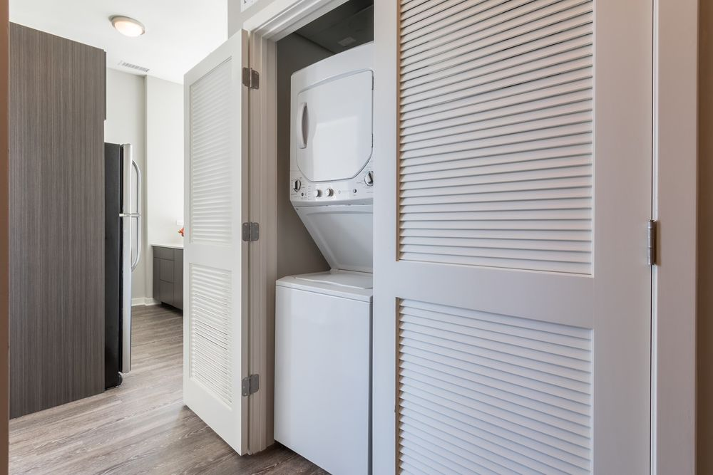 1545-west-north-apartments-wicker-park-chicago-luxury-rentals-in-unit-laundry