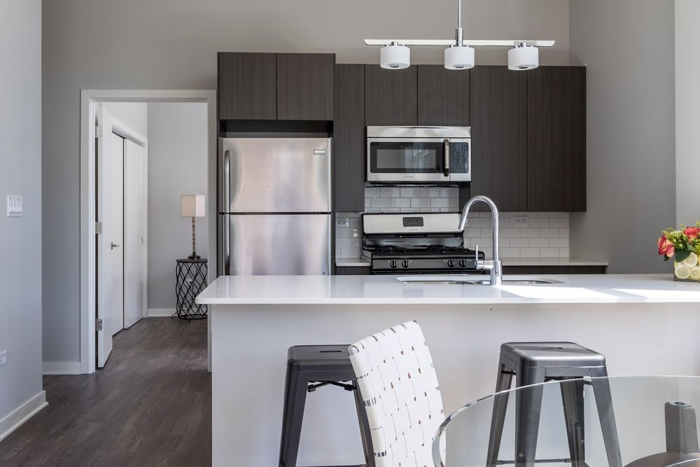 1545-west-north-apartments-wicker-park-chicago-luxury-rentals-kitchen