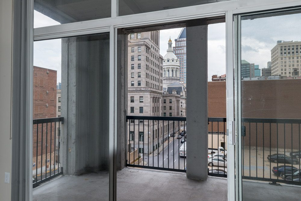 222-saratoga-apartments-baltimore-md-balcony-with-city-view