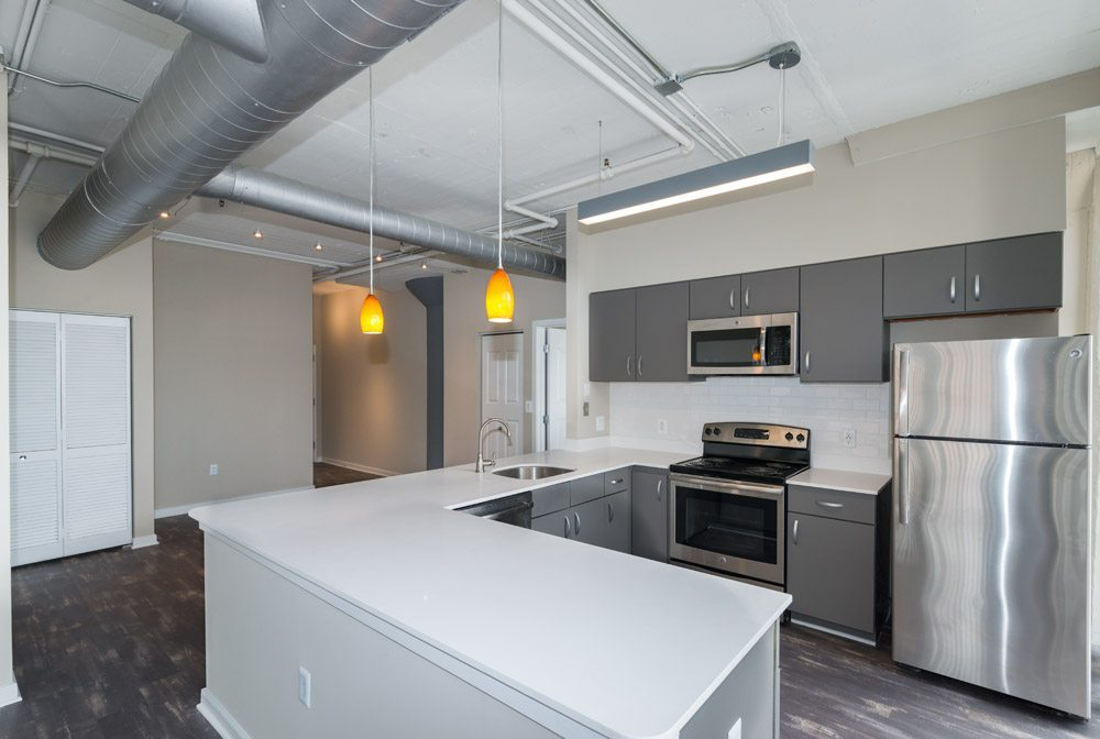 222 Saratoga Apartments | Loft Style Apartments in Baltimore, MD | Kitchen