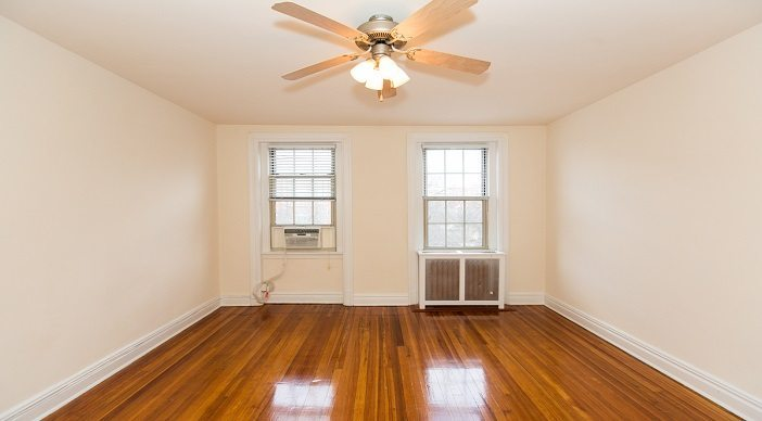 2701-connecticut-avenue-apartments-bedroom-washington-dc