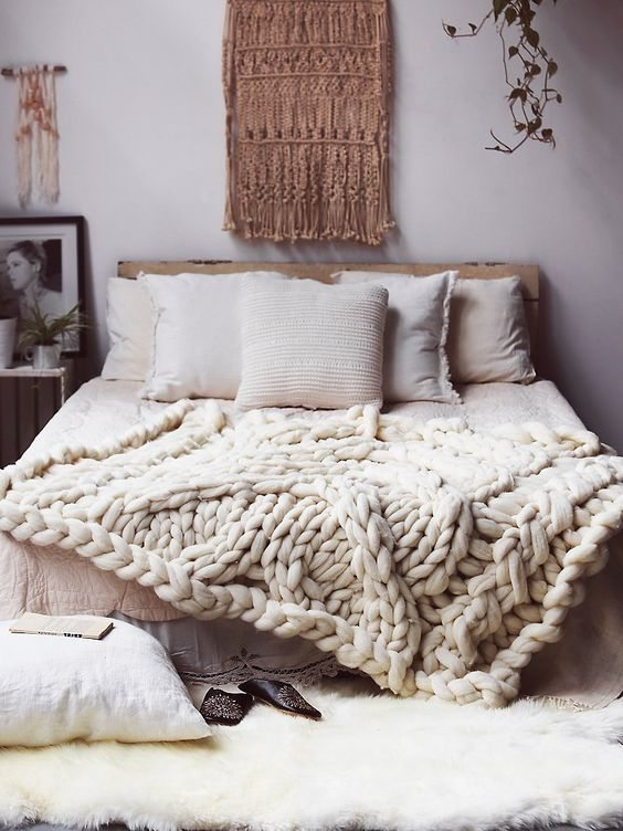 Fall Apartment Decor Trends | Natural & Organic Accents & Chunky Knits