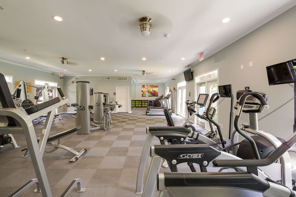 8-camden-midtown-houston-texas-apartments-state-of-the-art-fitness-center-with-cardio