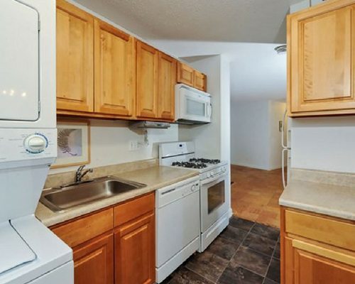 the-carlyle-apartments-baltimore-md-apartments-near-johns-hopkins-university