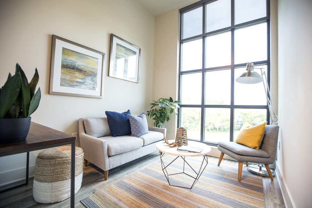 East Central Loft Style Apartments in Charleston, SC | Living Room