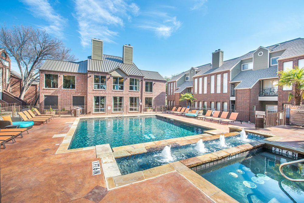 Lakewood On The Trail | Apartments in Dallas, TX | Apartment Communities With The Best Pools