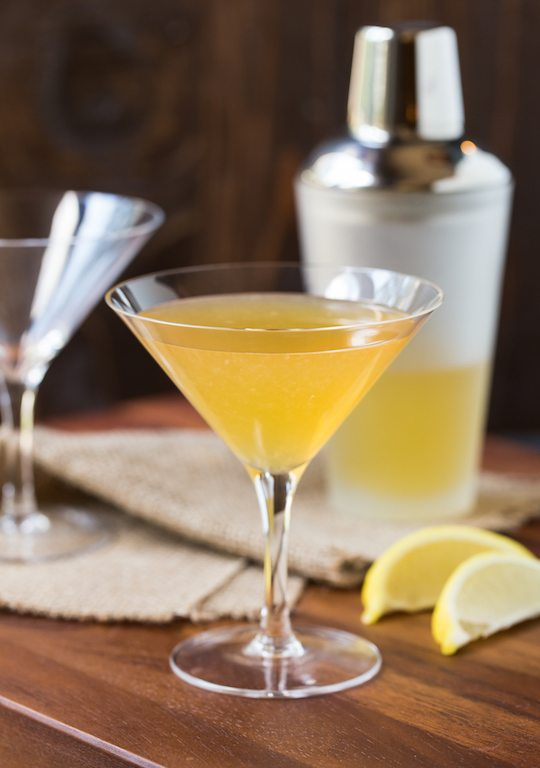 Spicy Ginger Lemon Gold Rush | Winter Cocktails To Keep You Warm