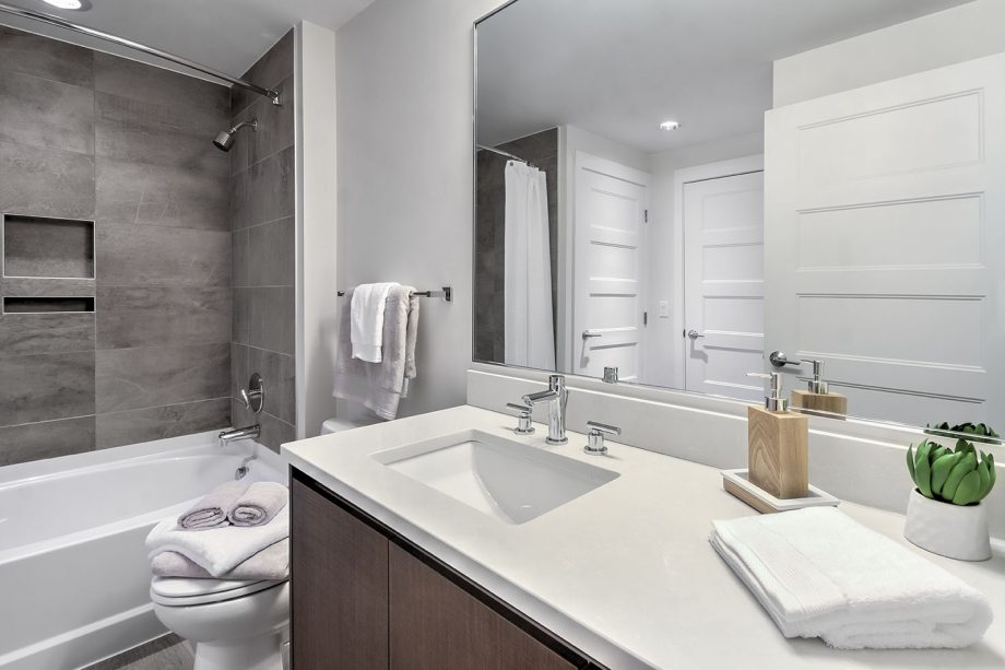 camden-noma-apartments-in-washington-dc-bathroom