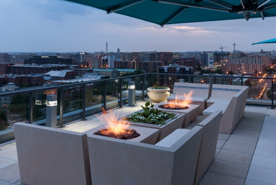 camden-noma-apartments-in-washington-dc-rooftop-patio-firepit