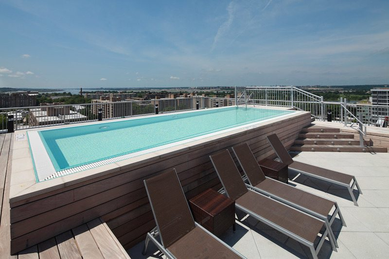 best-apartments-with-fitness-centers-in-dc-leo-at-waterfront-station-southwest-waterfront-rooftop-pool