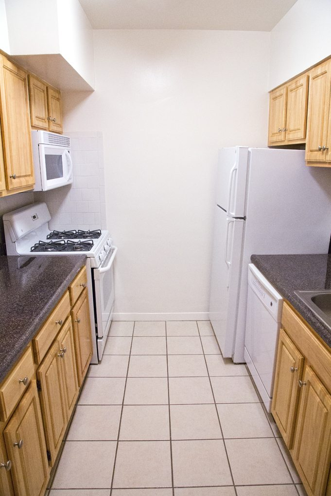 clarence-house-kitchen-dc-rentals (3)