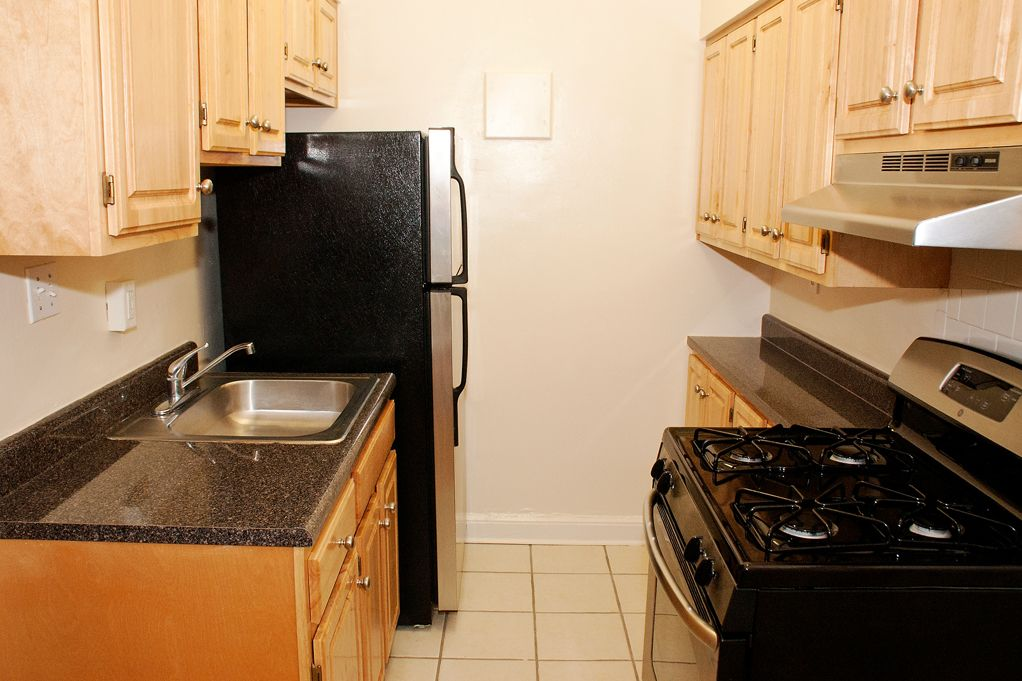 Affordable-apartment-Glover-Park-DC-sherry-hall-kitchen