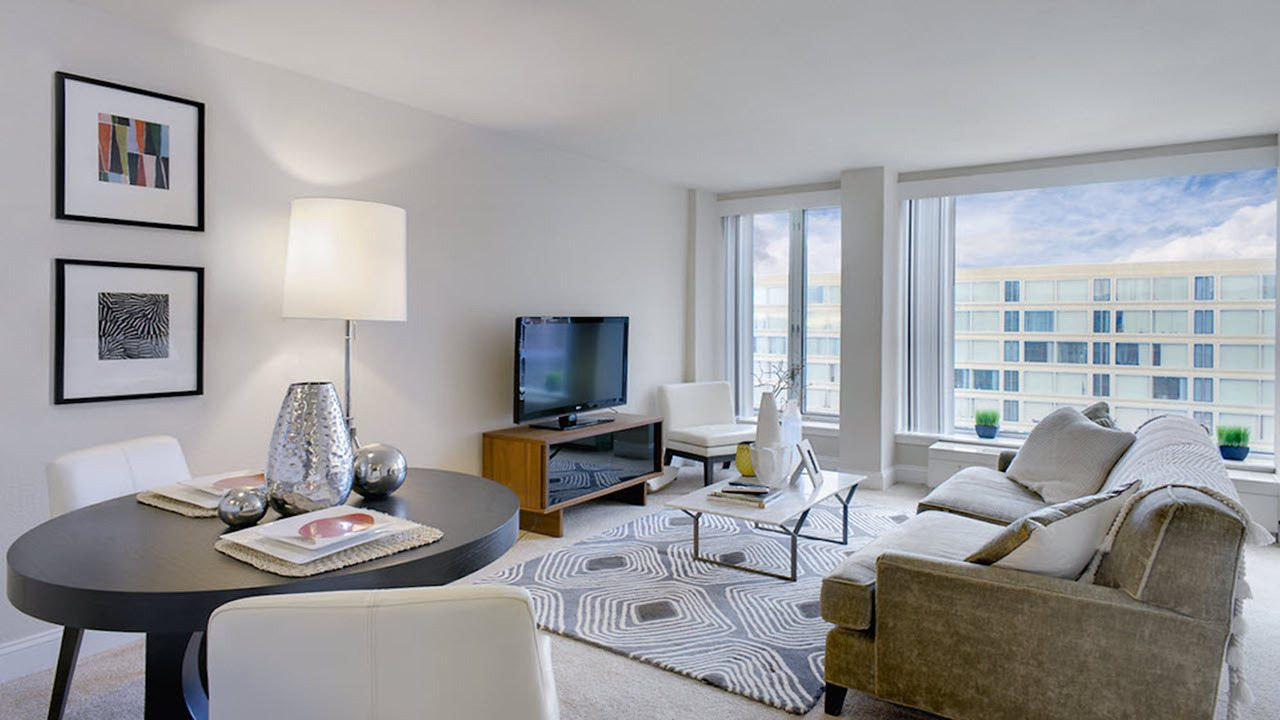 dc-apartments-near-the-metro-the-view-at-waterfront-apartments-southwest-waterfront-apartments-living-room