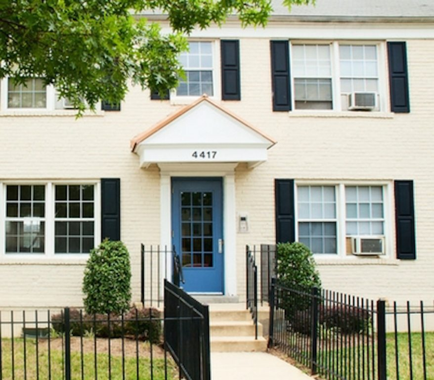tax-credit-apartments-DC-worthington-woods