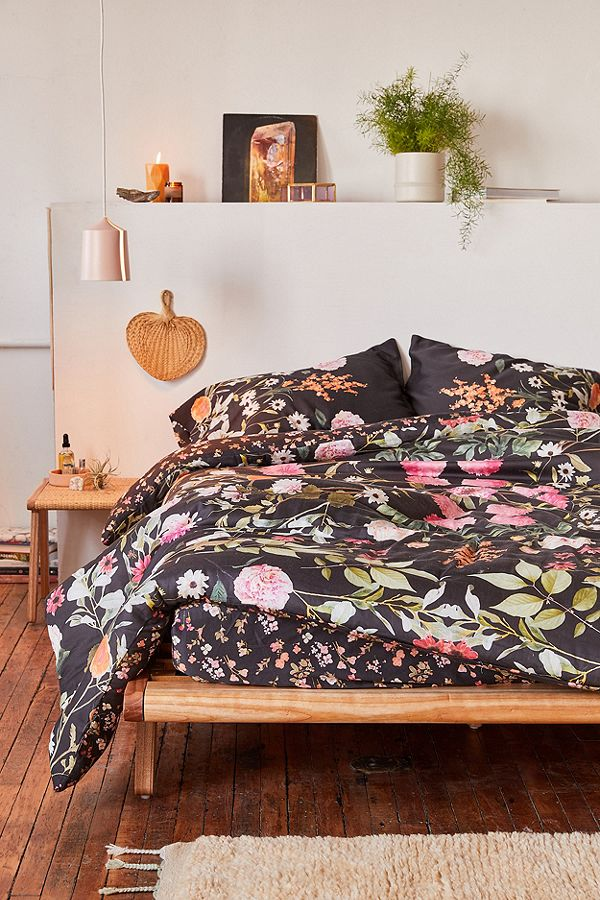 Big, Bold Floral Decor | Design Inspiration | Black Floral Print Bedding