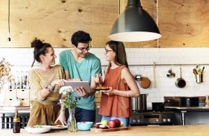 holiday-gift-guide-for-apartment-kitchens