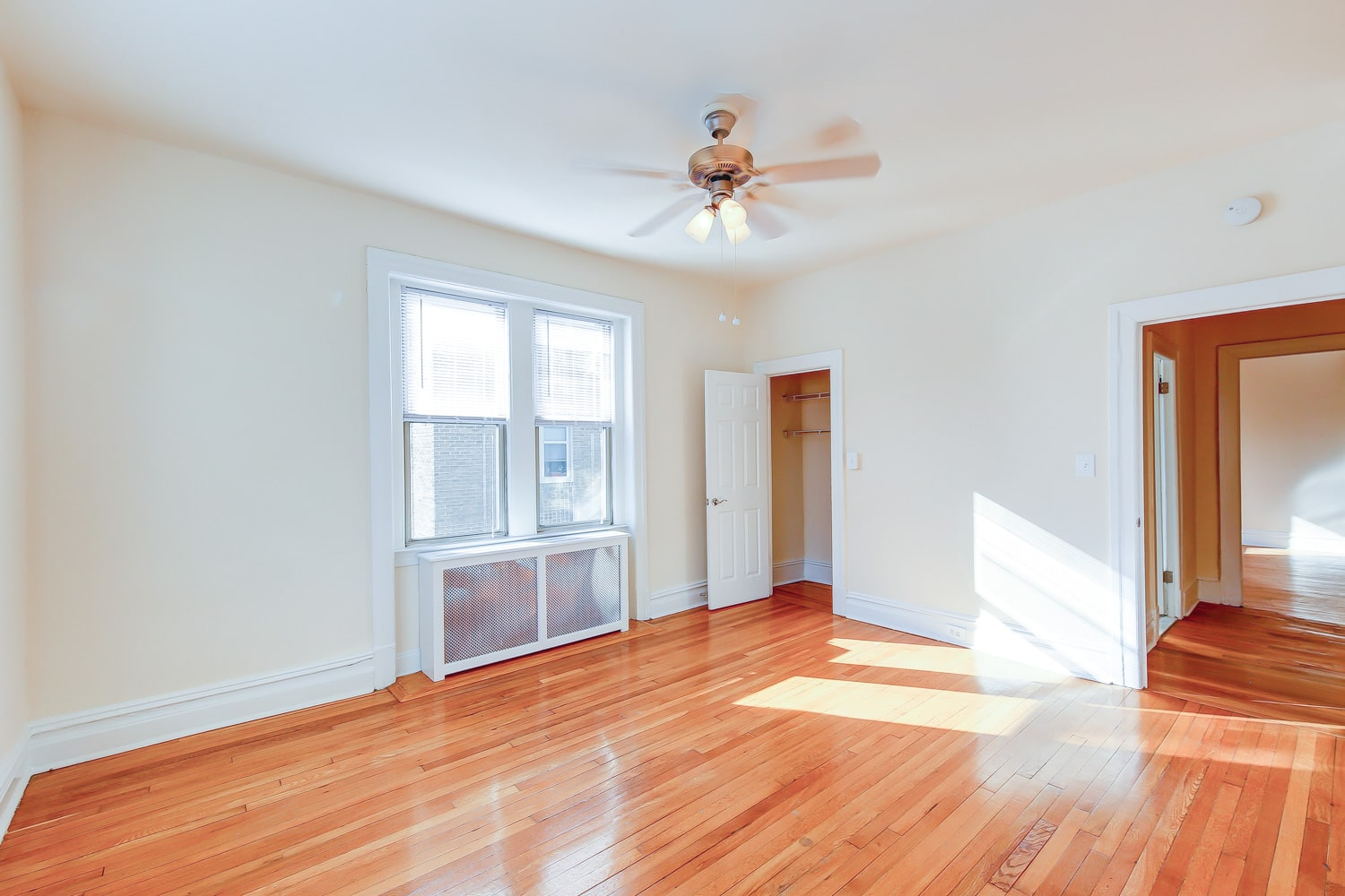 Chatham-courts-apartments-washington-dc-bedroom (2)-min