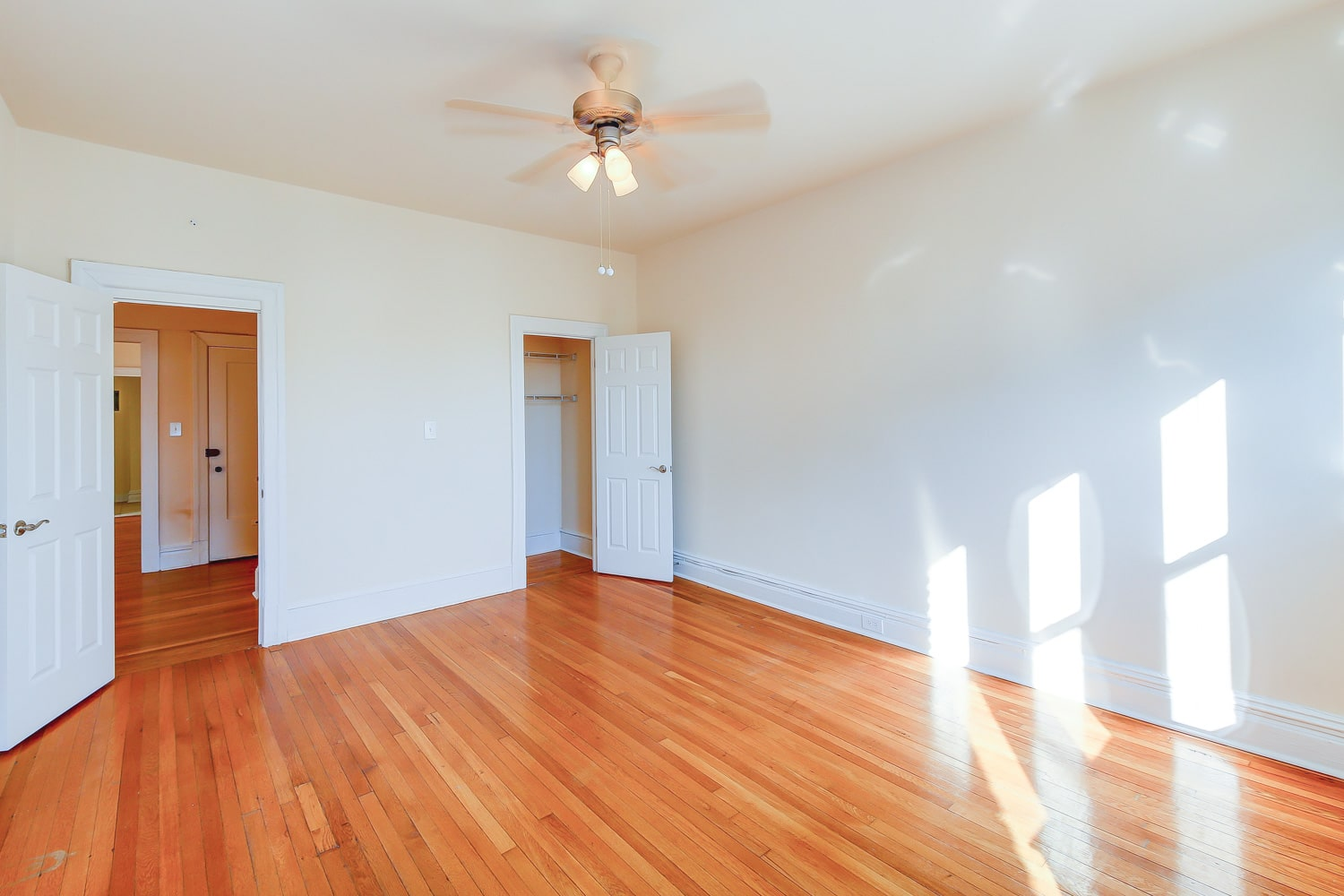 Chatham-courts-apartments-washington-dc-bedroom (5)-min