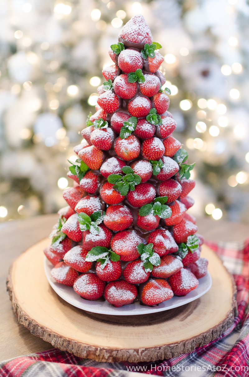 Christmas-Desserts-Chocolate-Covered-Strawberry-Christmas-Tree