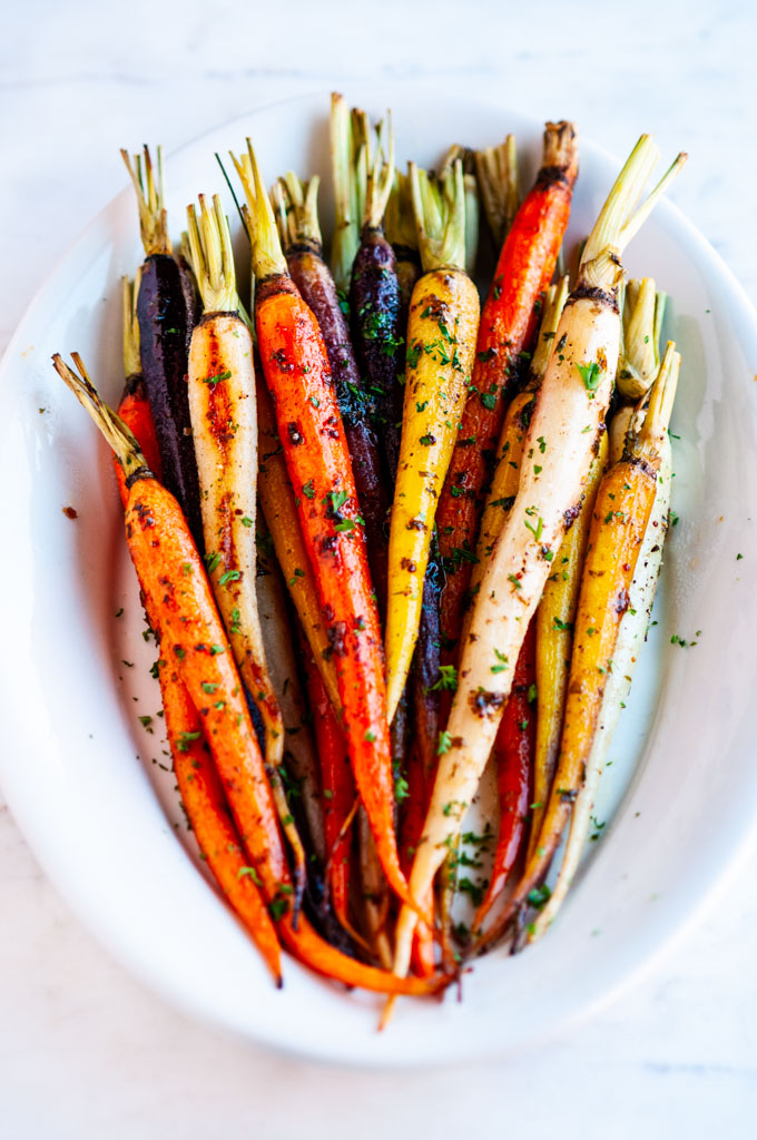 VEGETARIAN-Honey-Roasted-Carrots-thanksgiving-recipes