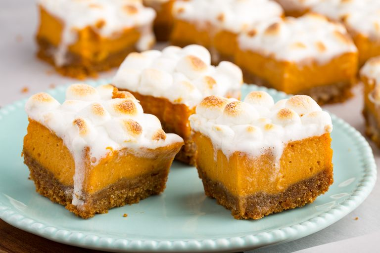 Thanksgiving-dessert-delish-sweet-potato-marshmallow-bars
